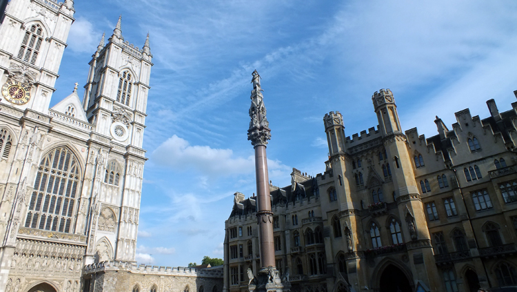 Westminster Cathedral and St. George Column in memory of fallen soldiers